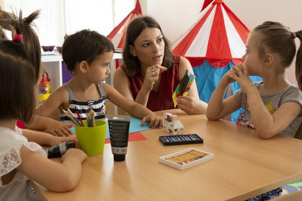 Dnevni boravak za decu, produzeni boravak Beograd, kreativne dečije radionice